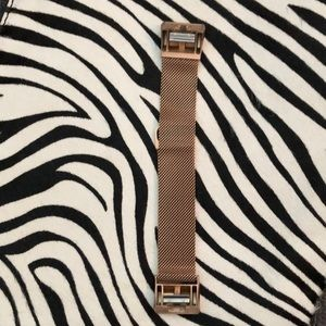 Fitbit Charge 2 rose gold magnetic band